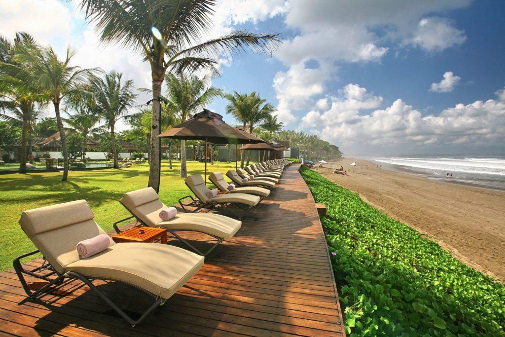Пляжи на территориях отелей-min