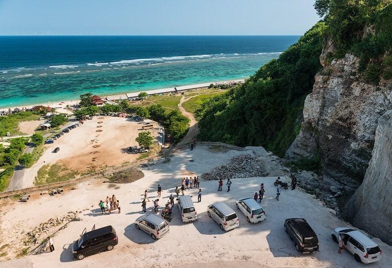 Инфраструктура пляжа Пандава на Бали