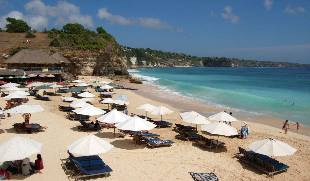 Инфраструктура плжа Дримленд на Бали
