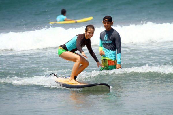 На пляже Кута можно заняться серфингом