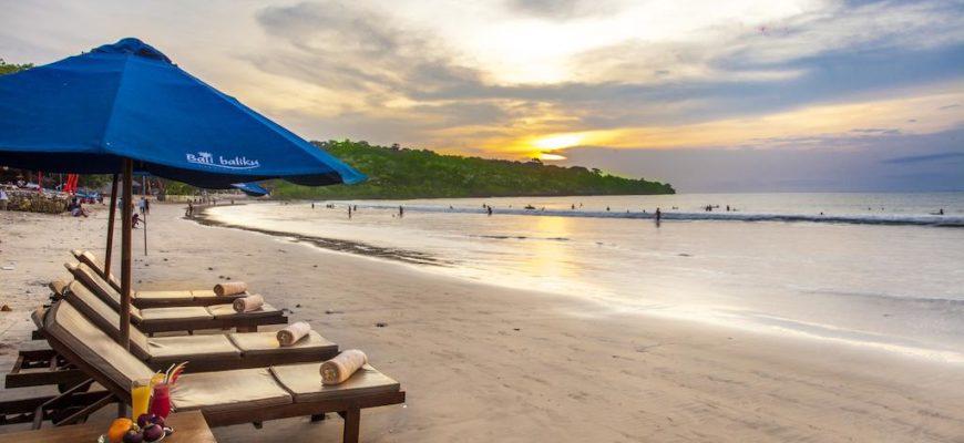 Обзор пляжа Джимбаран на Бали