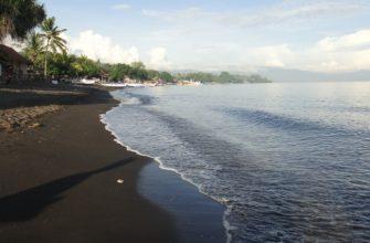 Обзор пляжа Ловина на Бали