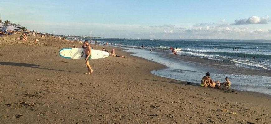 Пляж Бату Болонг на Бали