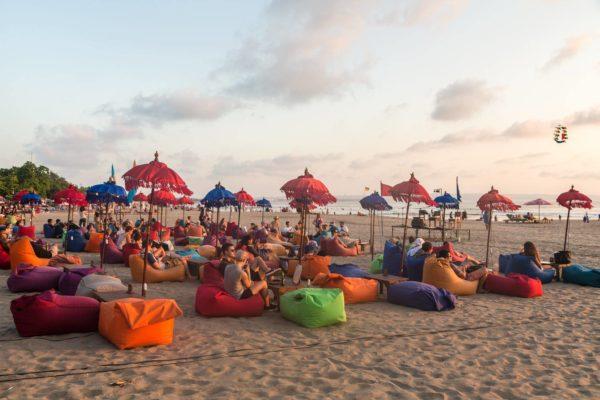 Пуфы на пляже Семиньяк