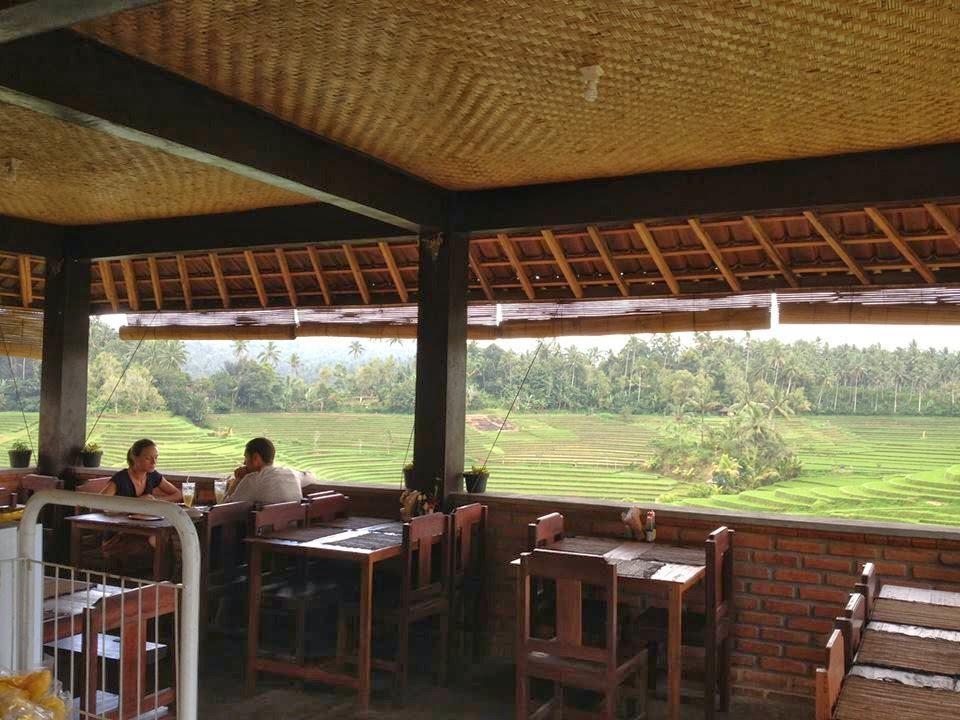 Варунг на Бали с красивым видом